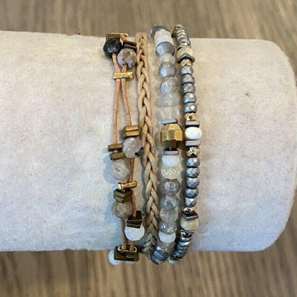 Grey beaded bracelet for women Victorian rose bracelet Single strand white bracelet Agate beads bracelet with flower Classic grey jewelry